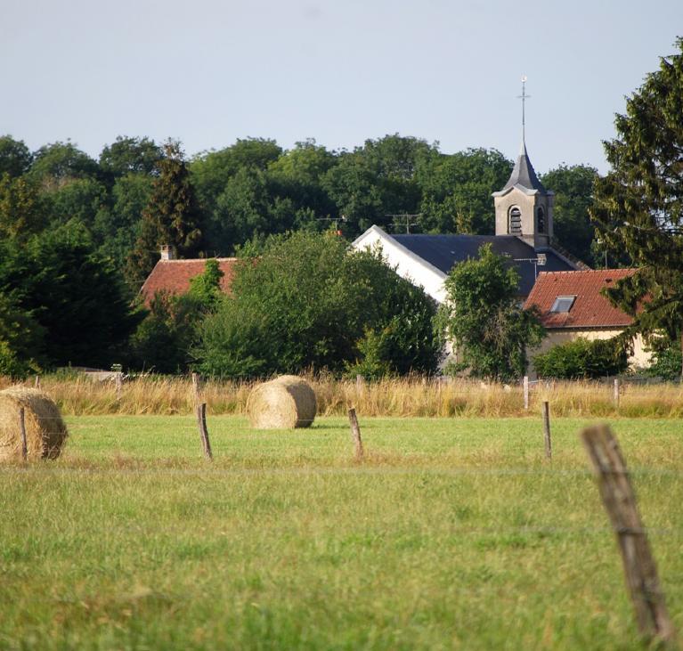 Image vue village et champ